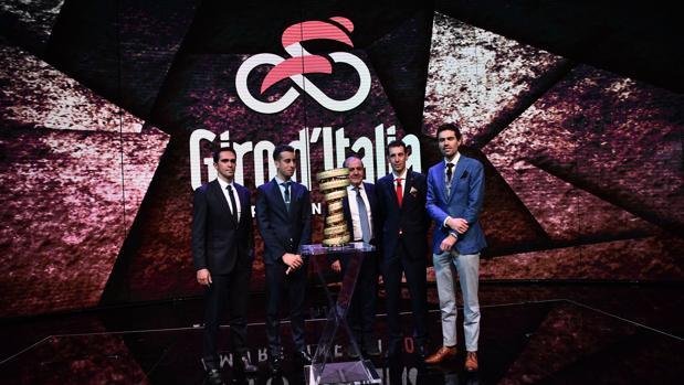 Imagen de la presentación oficial del Giro 2018, ayer en Milán