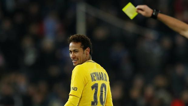 La última amarilla de Neymar en la 'Ligue 1'