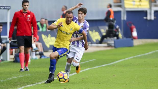Servando, en el partido del Cádiz CF ante el Valladolid.