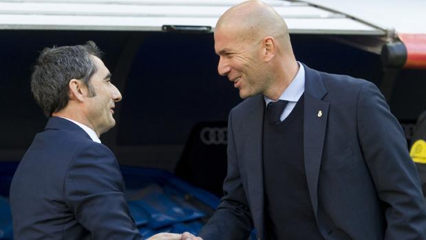 Valverde y Zidane se saludan