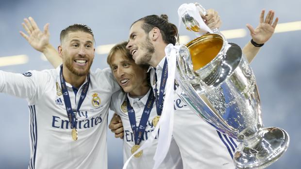 Jugadores del Real Madrid, tras ganar la duodécima