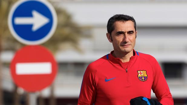 Ernesto Valverde en la ciudad deportiva del Barcelona
