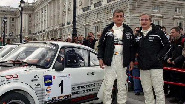 Luis Moya y Carlos Sainz, en una foto de archivo de 2013