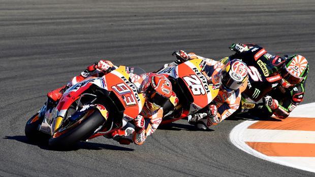 Márquez, Pedrosa y Zarco, durante el Gran Premio de Valencia
