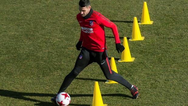 Vitolo, en un entrenamiento con el Atlético de Madrid