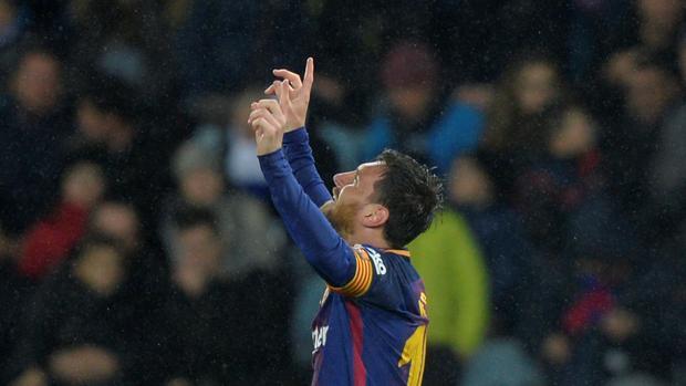 Leo Messi celebra su gol frente a la Real Sociedad