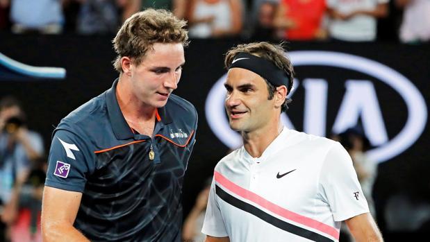 Struff felicita a Federer