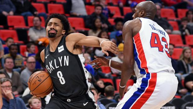 Spencer Dinwiddie, en el partido ante los Pistons