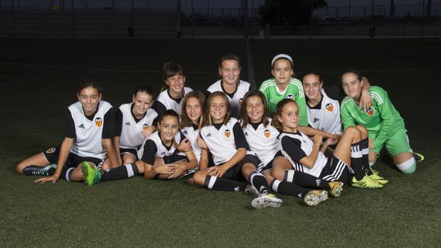 Las chicas del Valencia CF Féminas Alevín A