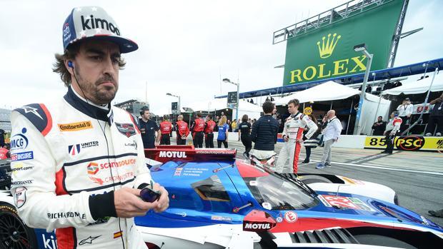 Ferando Alonso, antes de la salida de las 24 Horas de Daytona