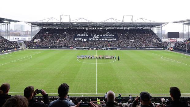 Una imagen de la grada antes del comienzo del partido