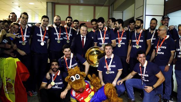 La selección de balonmano, este lunes a su llegada a Madrid tras proclamarse campeona de Europa