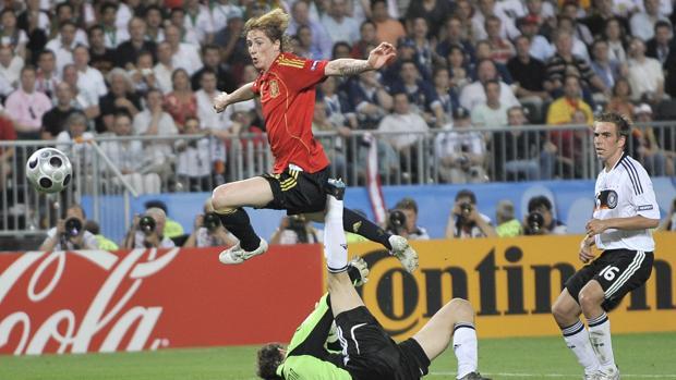 Fernando Torres marca el gol que dio la Eurocopa a España en 2008
