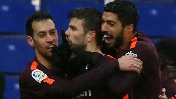 Gerard Piqué manda callar a la grada tras marcar su gol