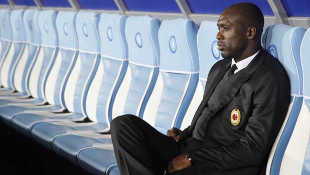 Seedorf durante su breve estancia en el banquillo del Milan