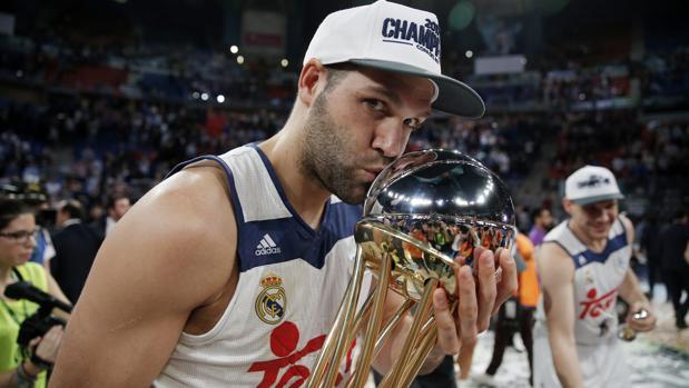 Reyes, con el título de Copa conquistado el pasado año