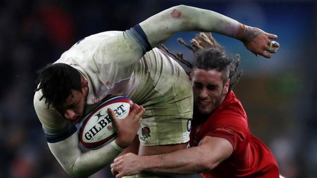 Los galeses nunca pudieron con la fuerza de los ingleses, como demostró Courtney Lowes
