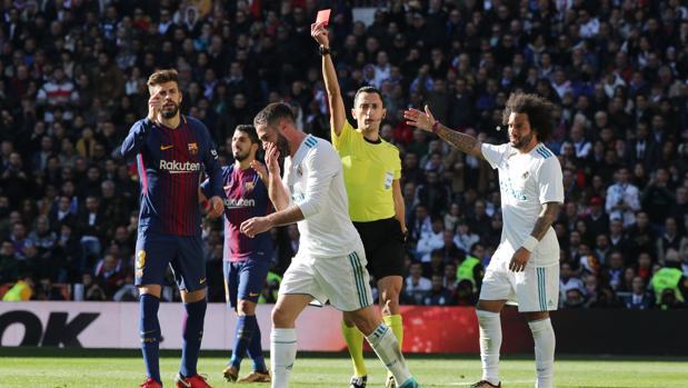 Una imagen del último derbi Real Madrid-Barcelona