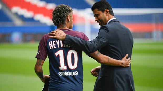 Neymar y Al-Khelaifi, el día de la presentación del brasileño