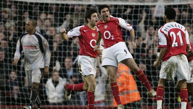Pennant junto con Reyes y Cesc en su etapa en el Arsenal