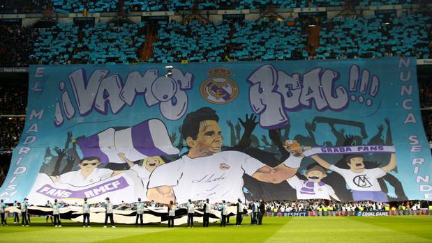 «Vamos Real» junto con un dibujo de Rafa Nadal, el mosaico del Real Madrid