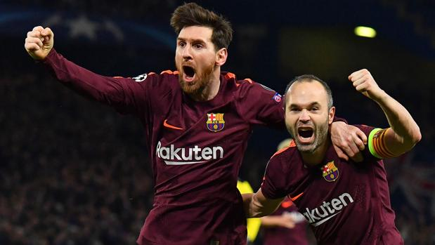 Leo Messi y Andrés Iniesta celebran el gol del empate