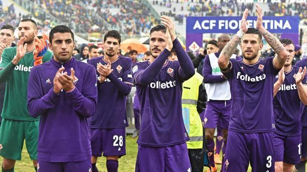 Jugadores de la Fiorentina al término del encuentro