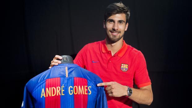 André Gomes muestra su equipación