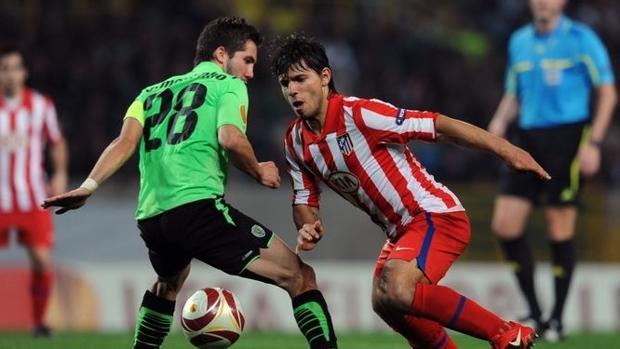 Agüero, en el duelo de los octavos de final de la Europa League 2009-10 contra el Sporting