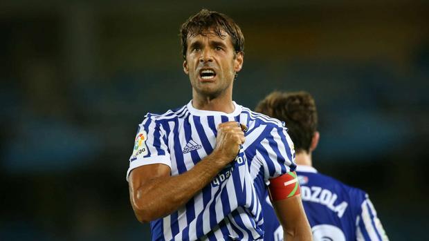 Xabi Prieto celebra un gol con la Real
