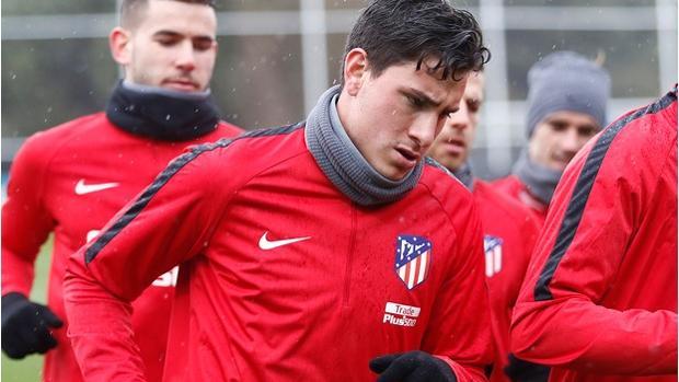 Giménez, en el entrenamiento del Atlético de Madrid