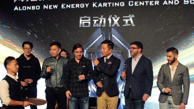 Fernando Alonso, en la presentación de su centro de karting en Shanghái