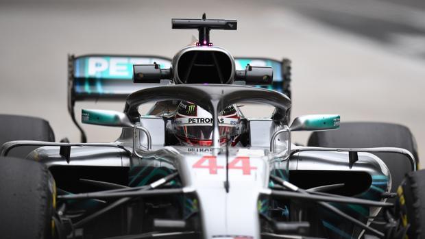 Lewis Hamilton durante los entrenamientos libres