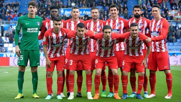 Once inicial del Atlético en el partido de Liga ante el Alavés