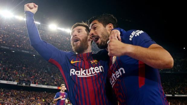 Messi y Suárez celebran un gol del Barça