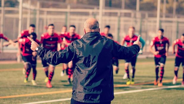 Los jugadores y el técnico del Inter de Madrid, en un entrenamiento