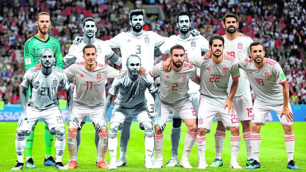 En blanco y negro, cinco titulares ante Irán que lo fueron en el debut de Sudáfrica