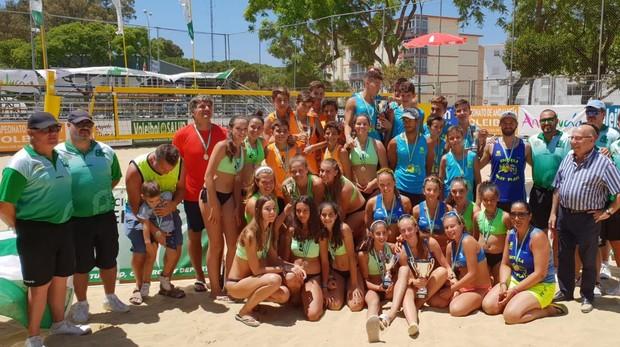Los campeones celebran sus títulos en El Puerto de Santa María.