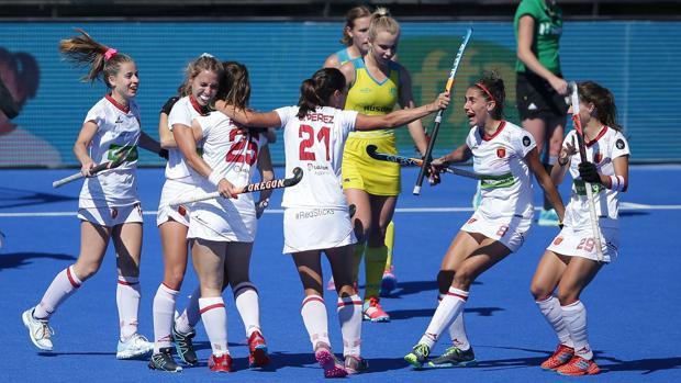 Las RedSticks festejan la victoria ante Australia