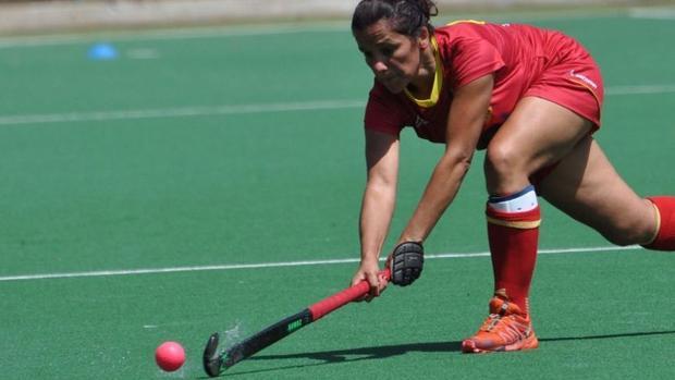 La chiclanera Marian Ruiz en una jugada de hockey