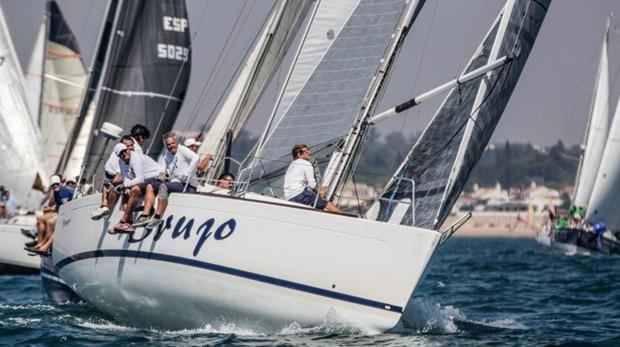 Las aguas de la Bahía de Cádiz acogen la semana grande de la vela gaditana.
