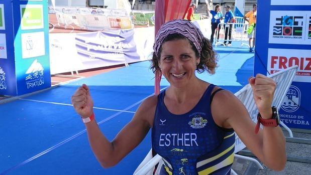 Esther Córdoba en el Campeonato de España de Triatlón