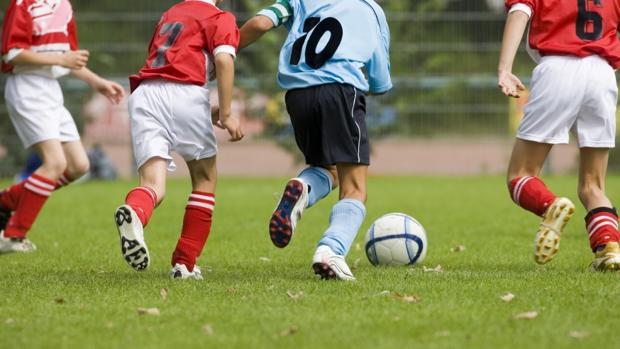 ¿Beneficia a los niños tener como entrenadores a leyendas internacionales?