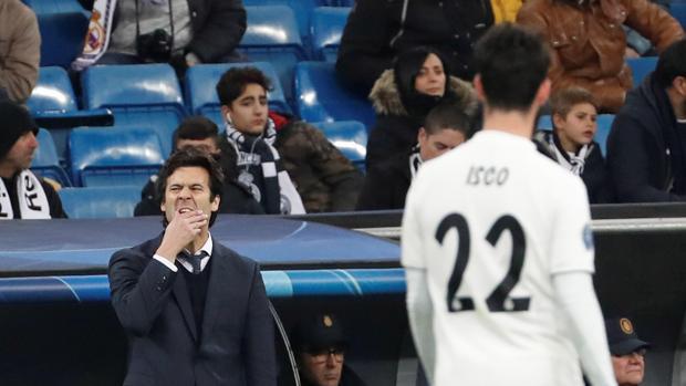 Solari gesticula tras una acción fallada del Real Madrid
