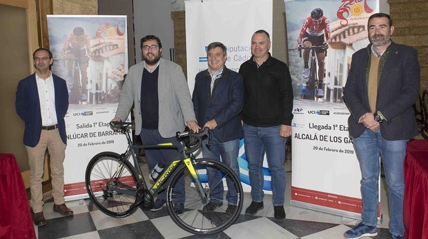 La Vuelta Ciclista a Andalucía se presentó en la Diputación de Cádiz.