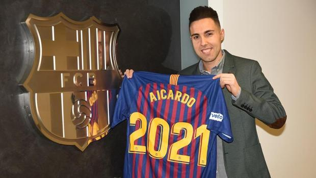 El gaditano Aicardo seguirá en el Barça hasta 2021.