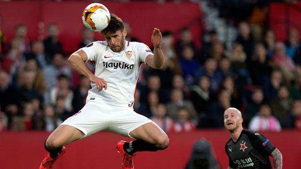 Sergi Gómez, del Sevilla, es una de las novedades en la lista de Luis Enrique