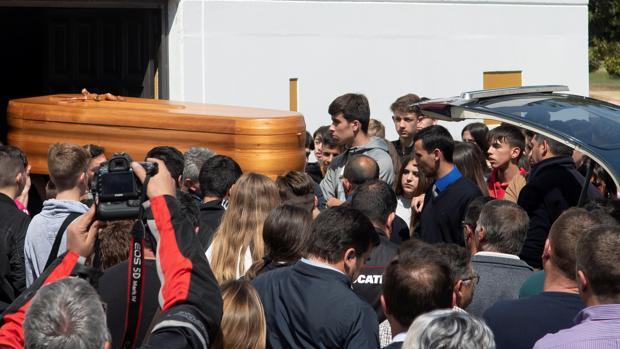 Entierro en Rota de Marcos Garrido, el joven piloto fallecido en Jerez.
