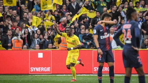 Waris celebra el segundo gol de la tarde