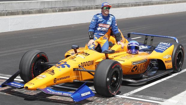 Alonso, con su McLaren en Indianápolis